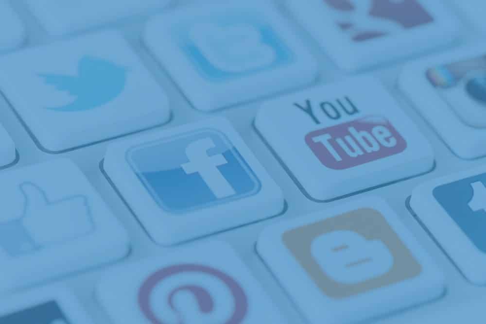 image d'en-tête de l'article le rôle des réseaux sociaux dans la stratégie d'inbound marketing