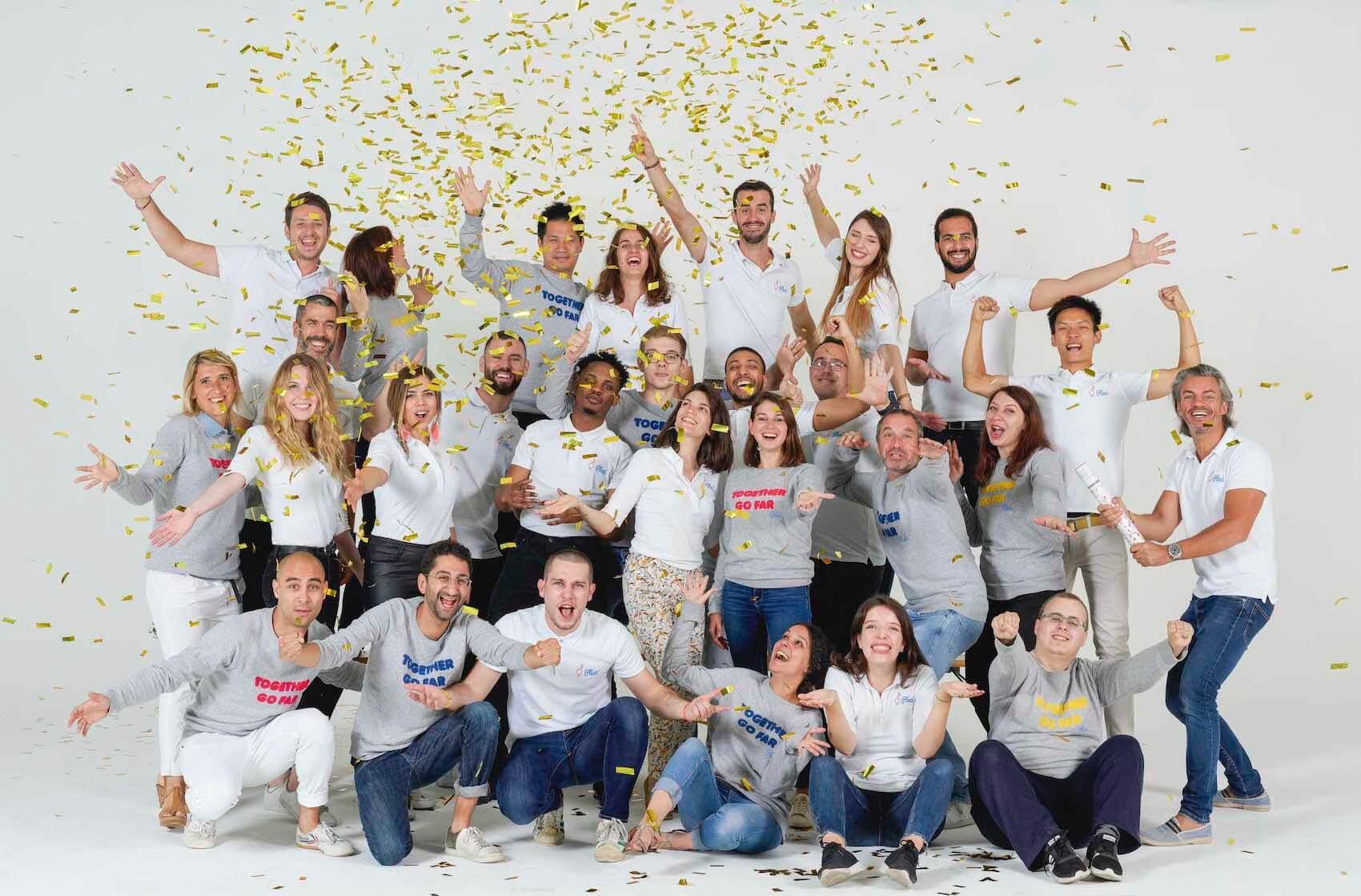 Photo officielle de l'équipe Plezi en juin 2019