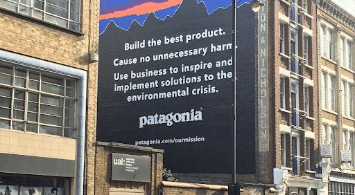 Image de la publicité Pantagonia reflettant les valeurs de l'entreprise